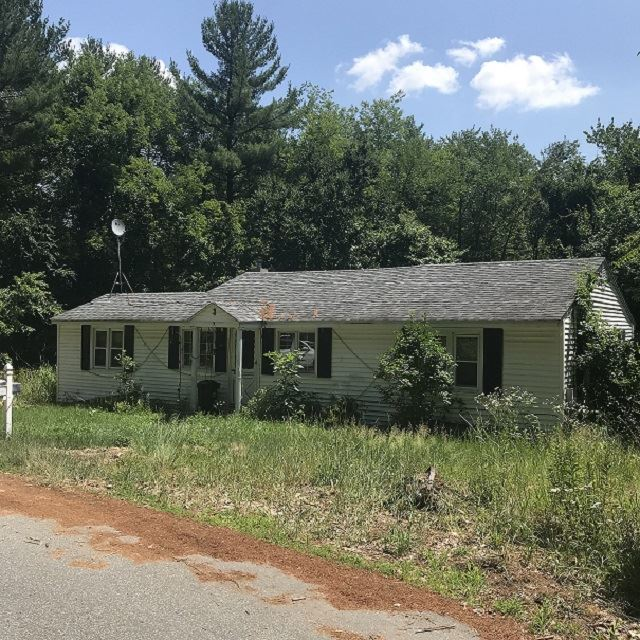 Bedford NHHome for sale $List Price is $180,000