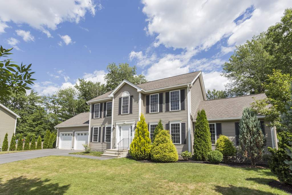 MANCHESTER NH Home for sale $$379,900 | $168 per sq.ft.