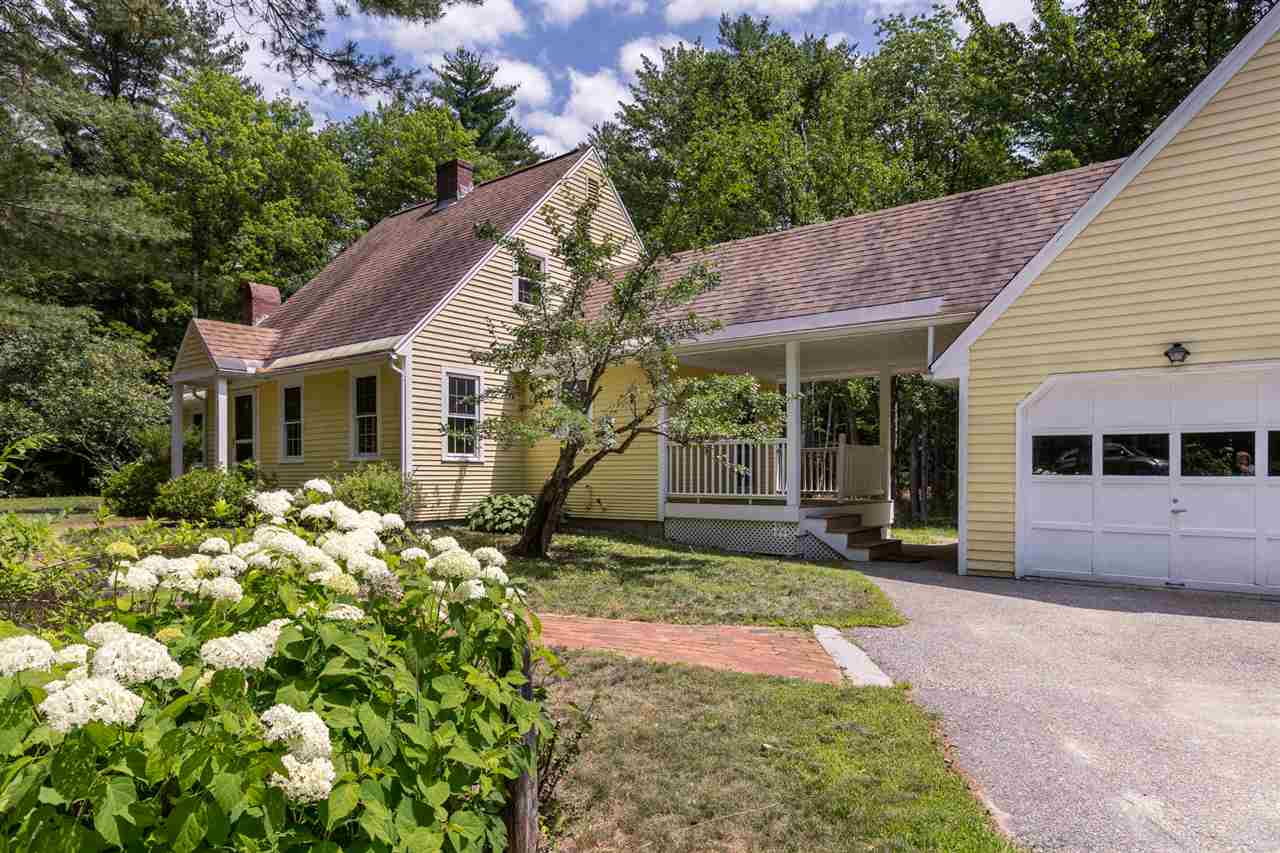 NEW LONDON NH Home for sale $$274,900 | $186 per sq.ft.