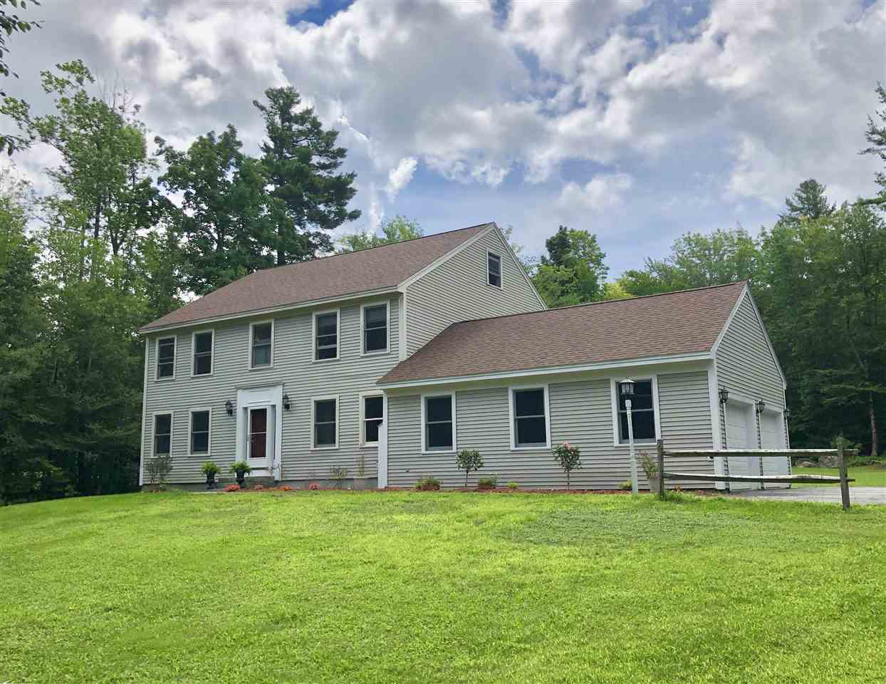 NEW LONDON NH Home for sale $$579,000 | $176 per sq.ft.