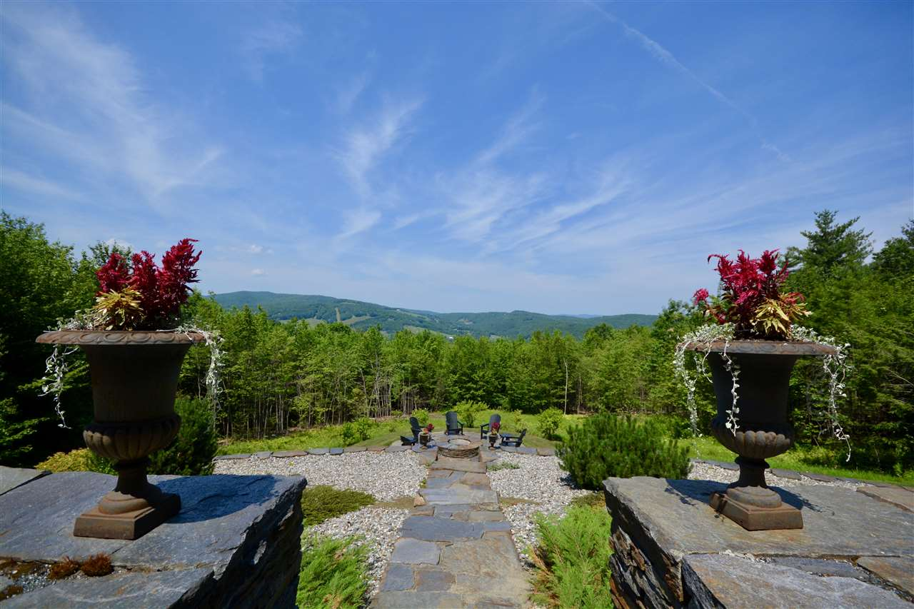 VILLAGE OF QUECHEE IN TOWN OF HARTFORD VT Home for sale $$1,299,000 | $507 per sq.ft.