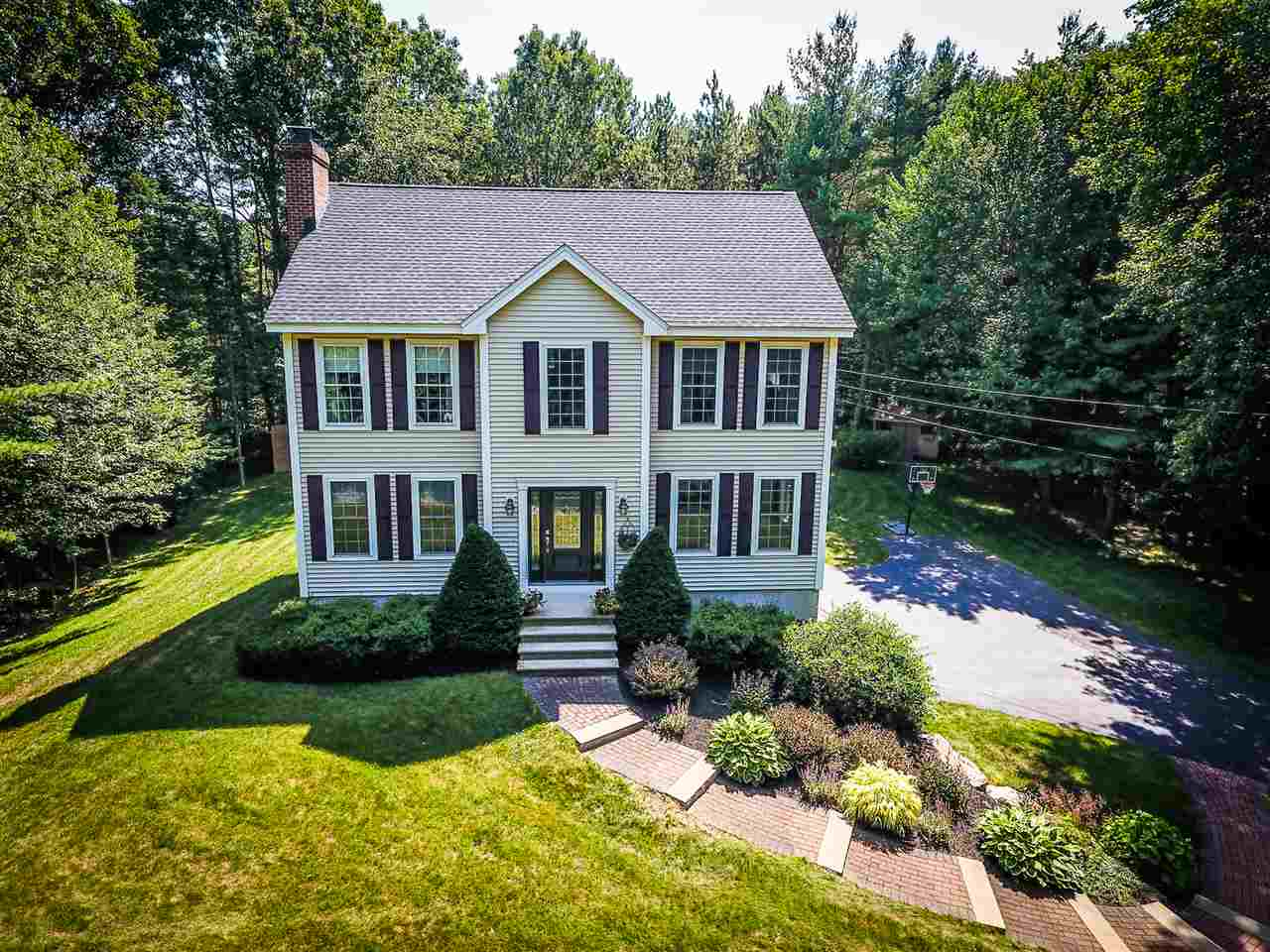 Chester NHHome for sale $List Price is $399,900