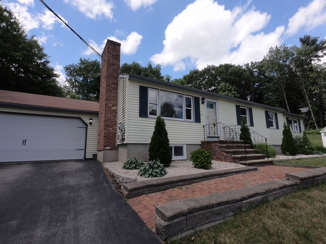 MANCHESTER NH Home for sale $$289,900 | $187 per sq.ft.