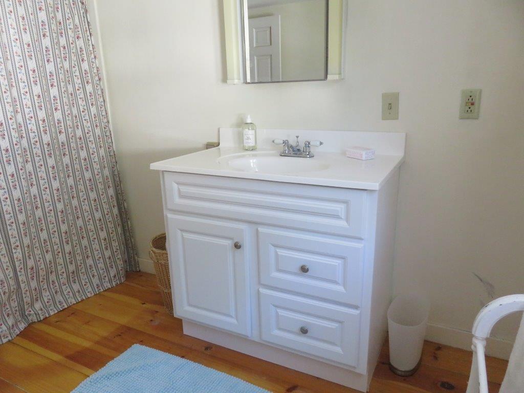 2nd Floor Bath 12376491