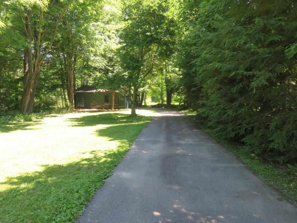 Paved Driveway 12376585