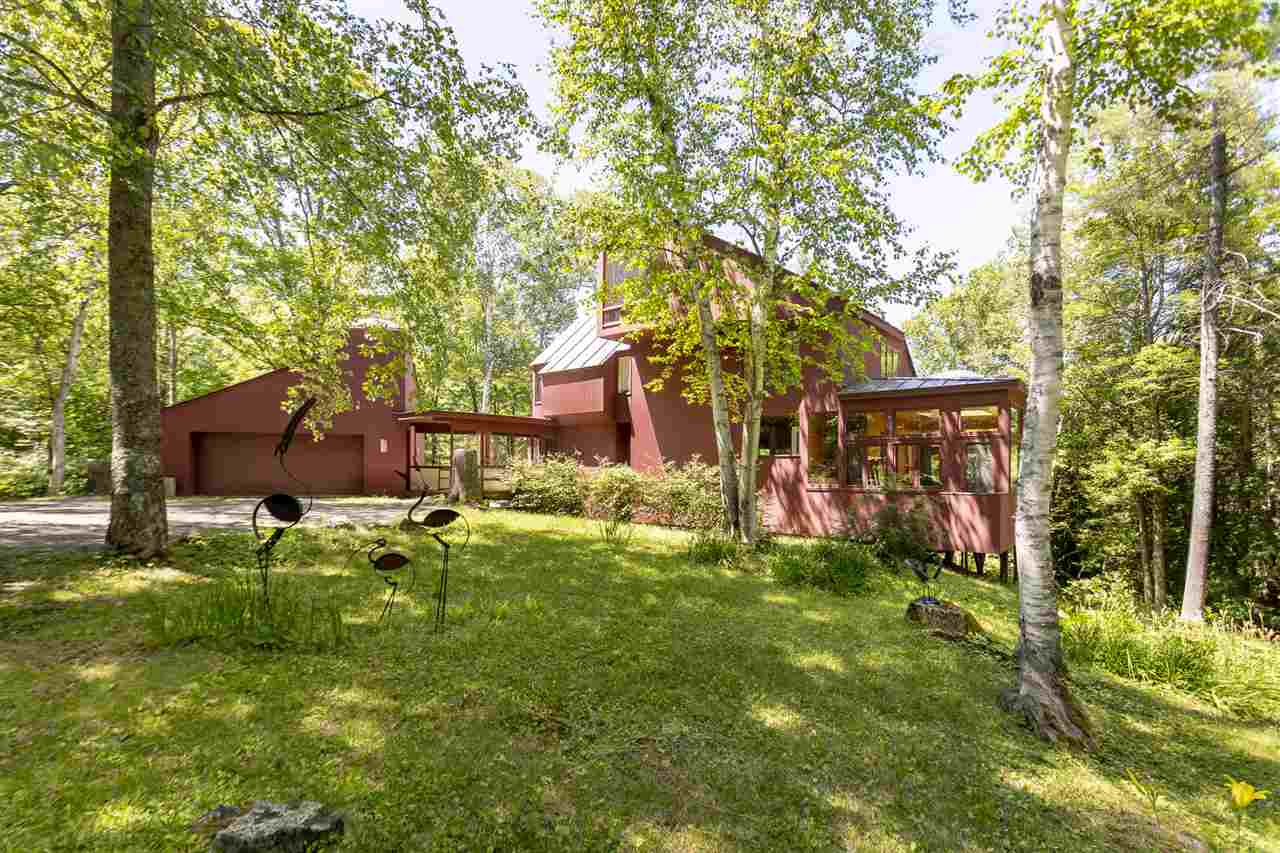LYME NH Lake House for sale $$675,000 | $254 per sq.ft.