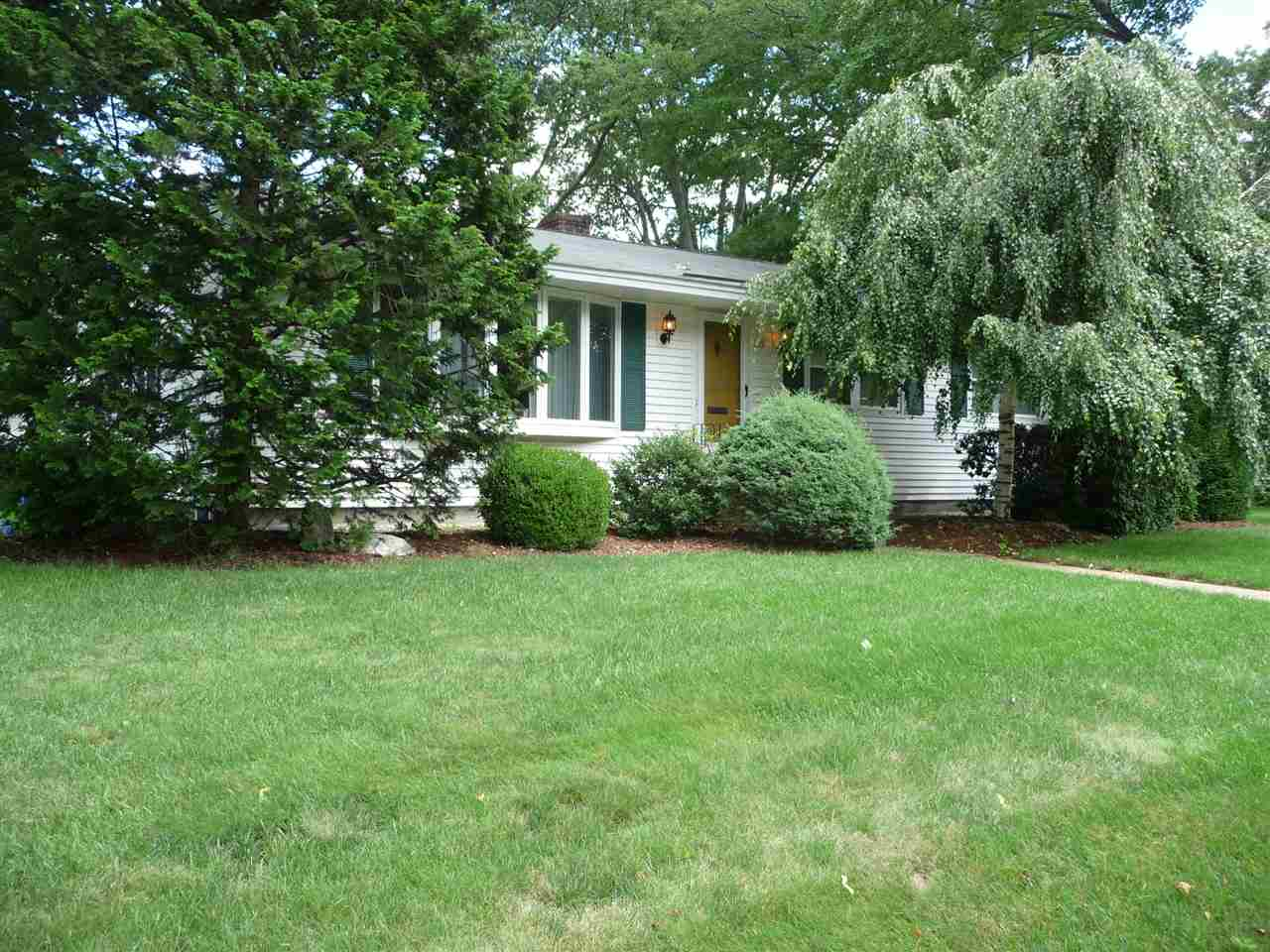 Photo of 99 Mayflower Drive Manchester, NH 03104