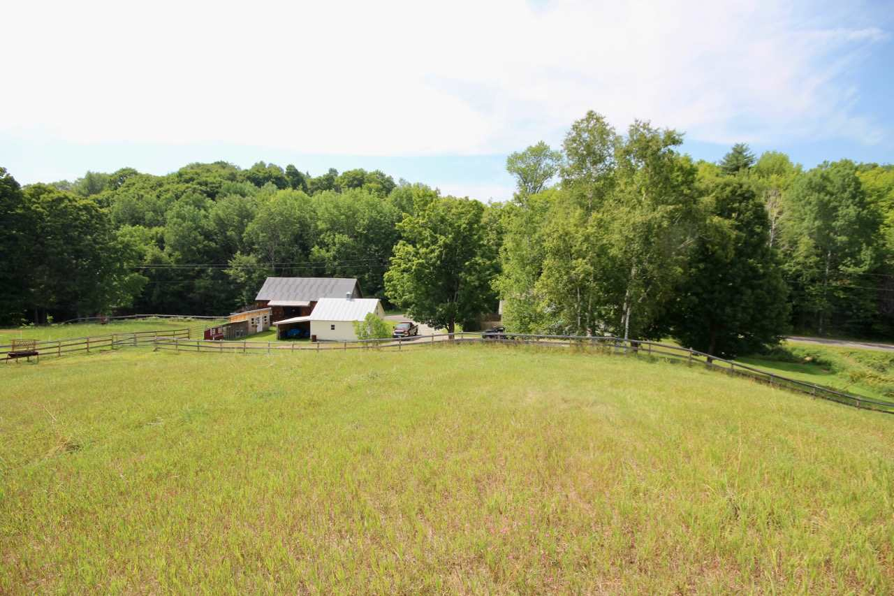 West Windsor VT Home or Farm Acres: 8.33     Beds: 3