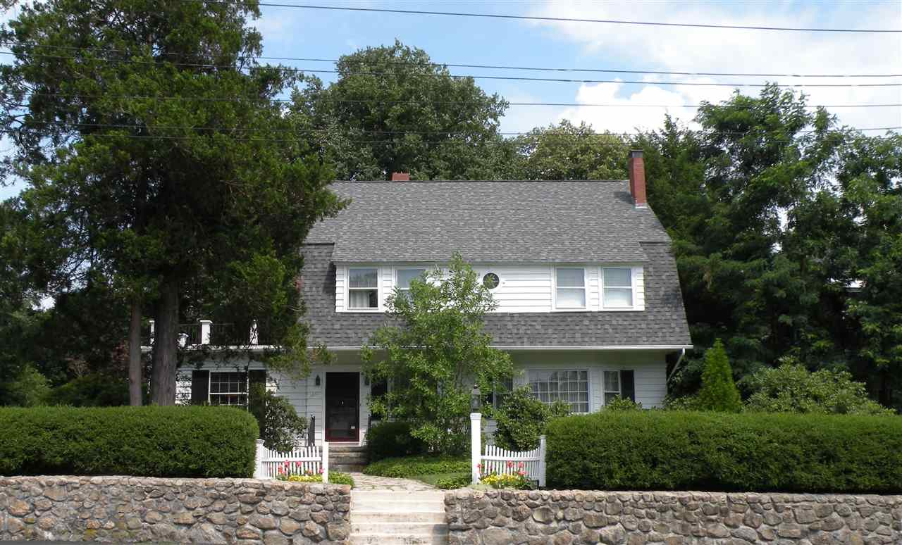 MANCHESTER NH Home for sale $$750,000 | $172 per sq.ft.