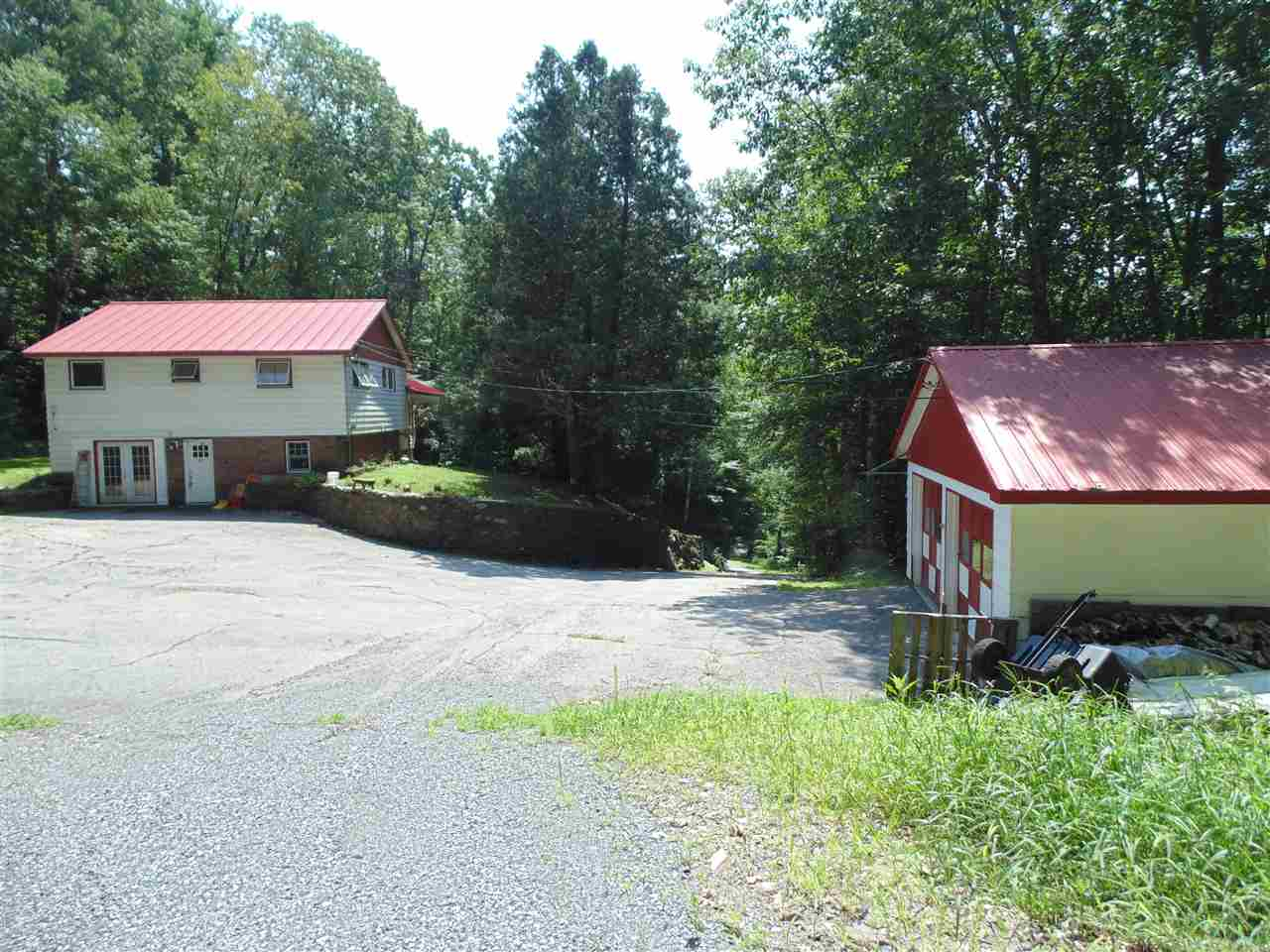 CHARLESTOWN NH Home for sale $$159,900 | $63 per sq.ft.