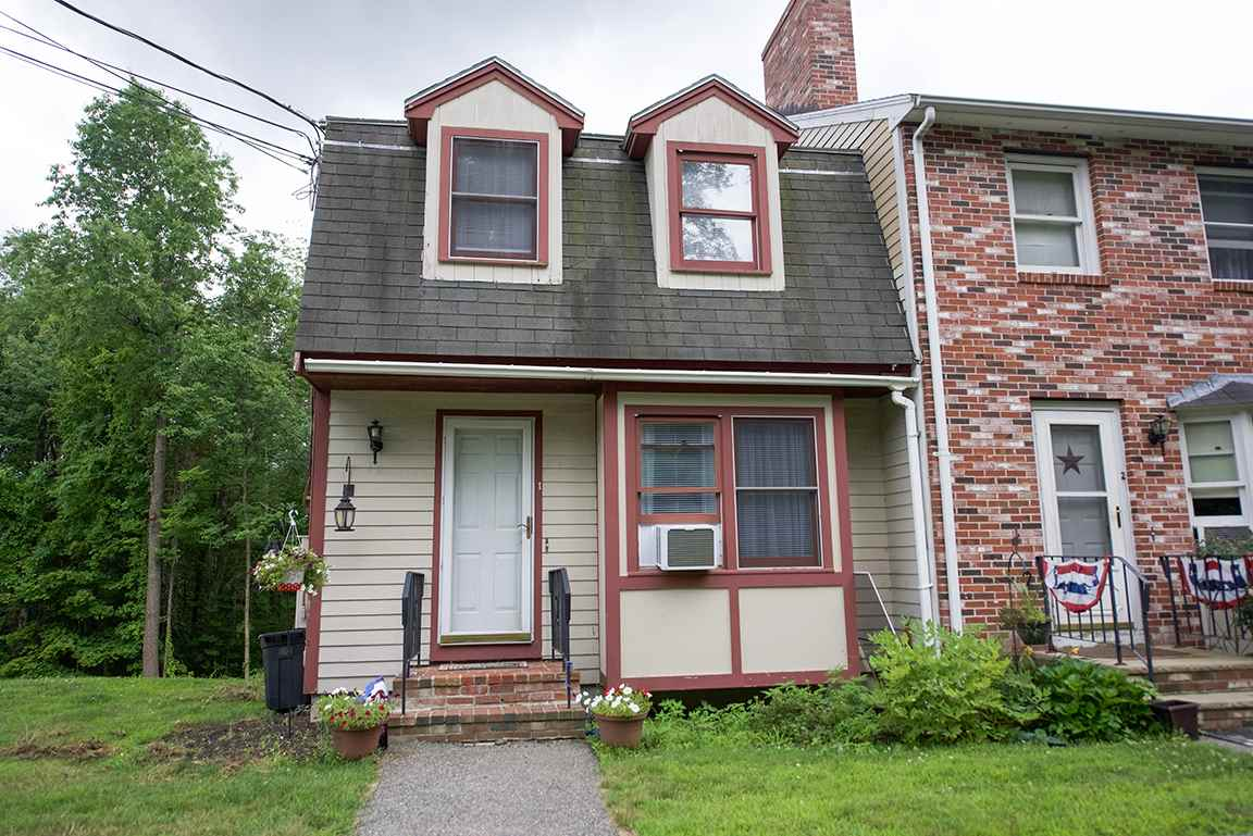Sandown NH Condo for sale $List Price is $174,900
