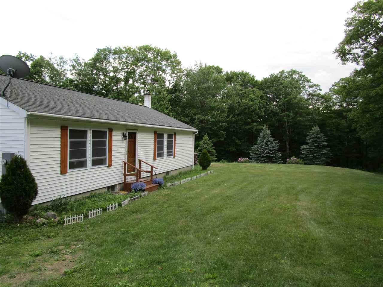 MLS 4710642: 67 Sky Pond, New Hampton NH