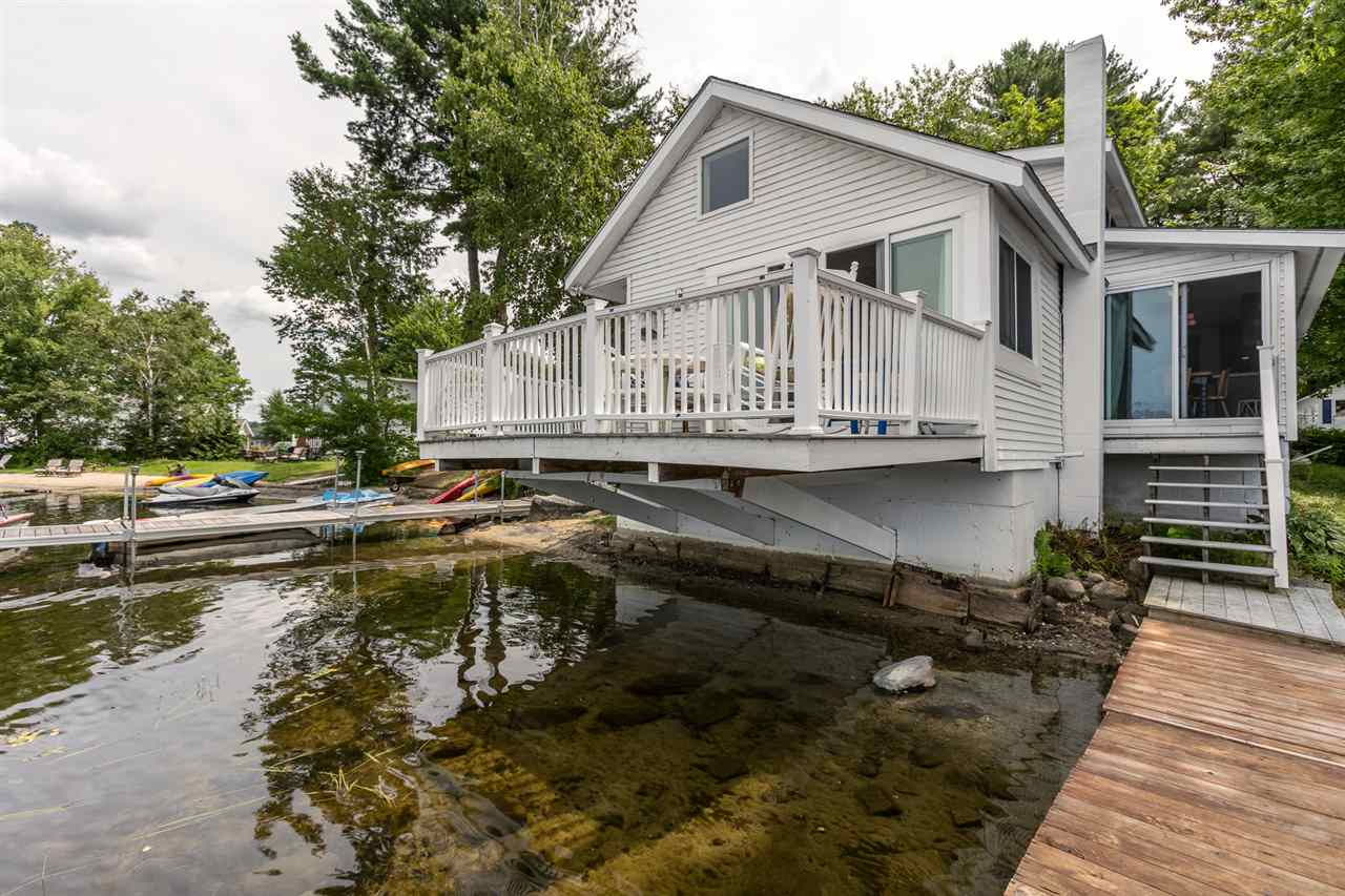 SUNAPEE NH Lake House for sale $$449,000 | $306 per sq.ft.