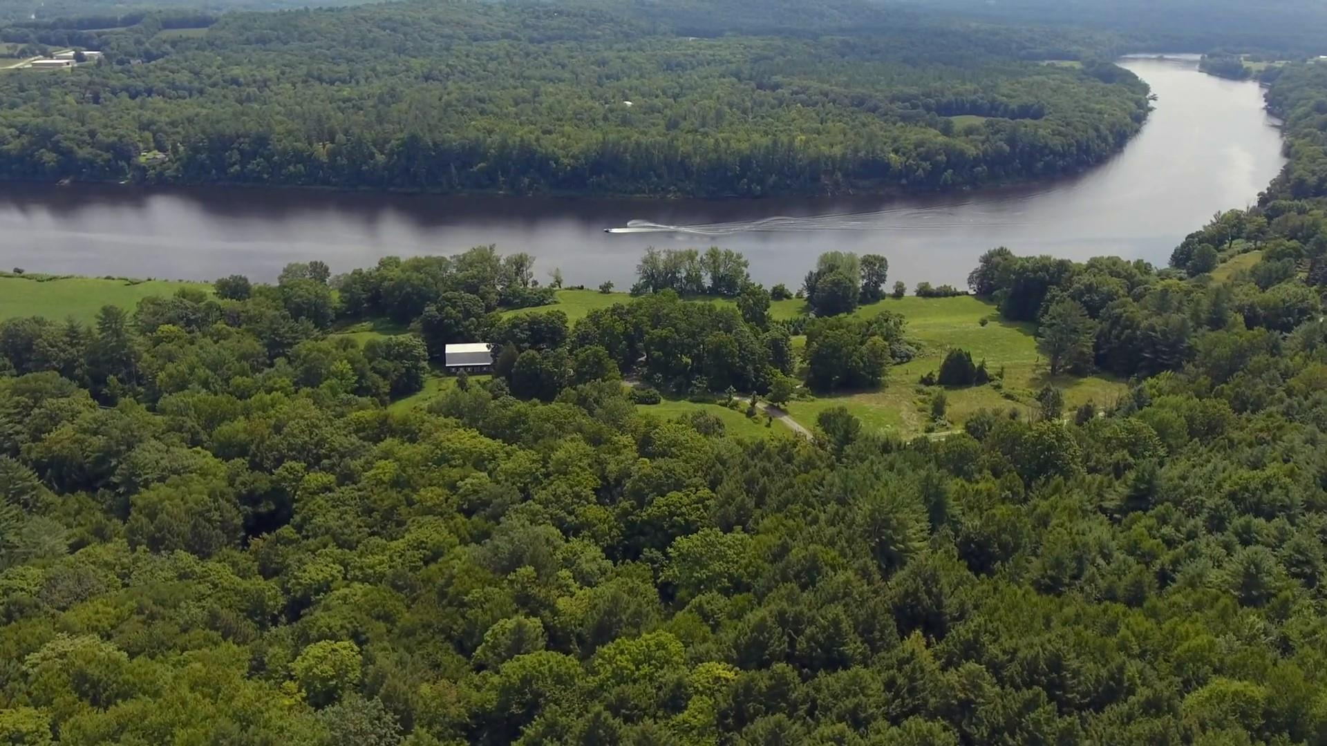 SPRINGFIELD VT Lake House for sale $$775,000 | $608 per sq.ft.