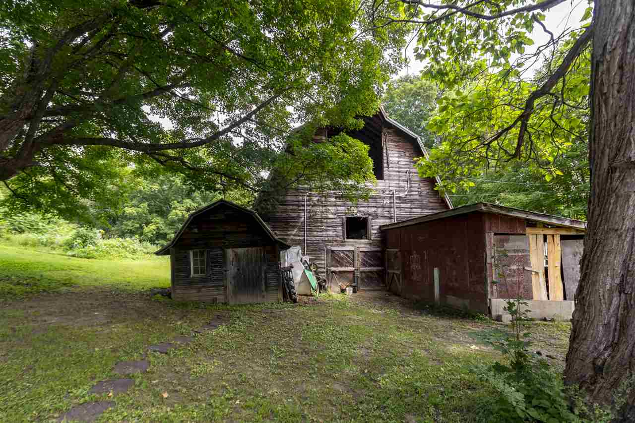 Back end of barn 12501851