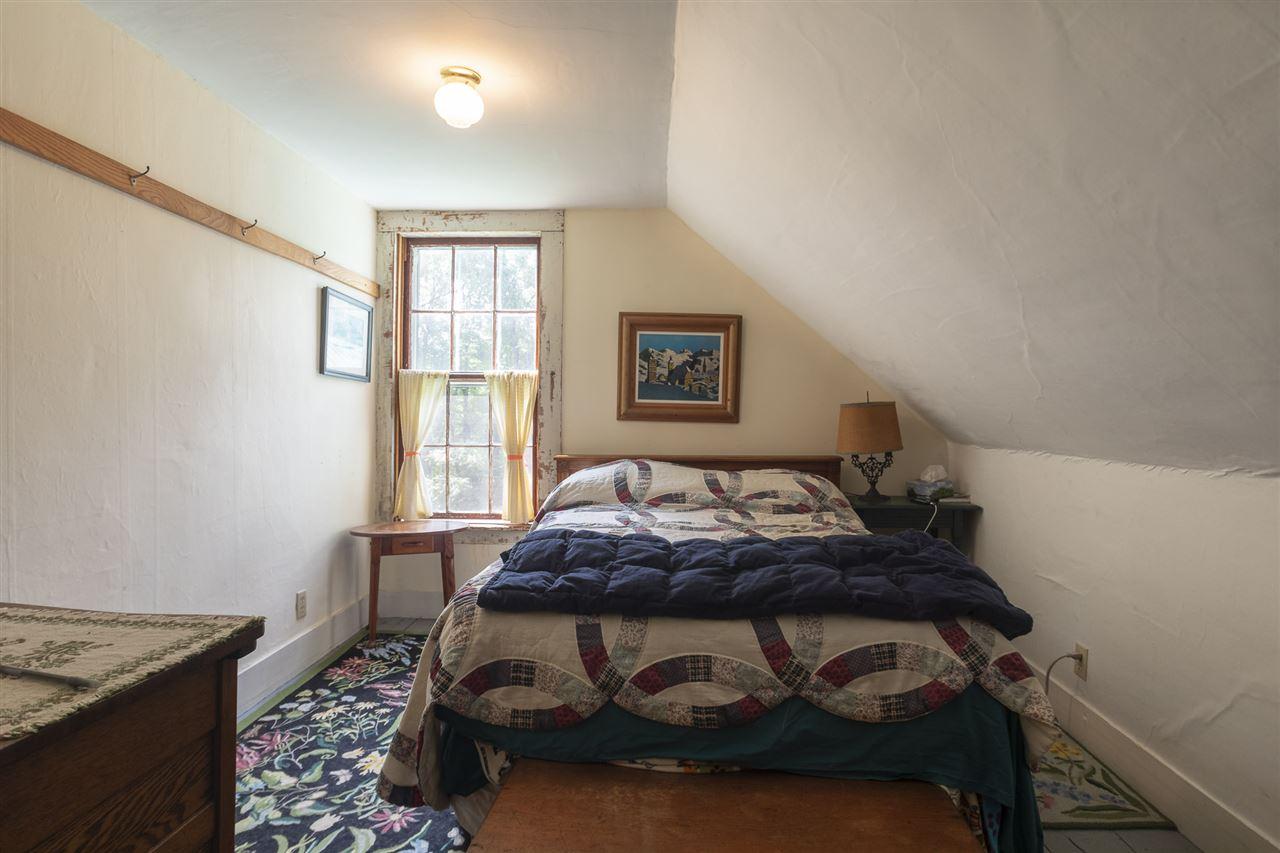 Larger 2nd floor bedroom 12501900