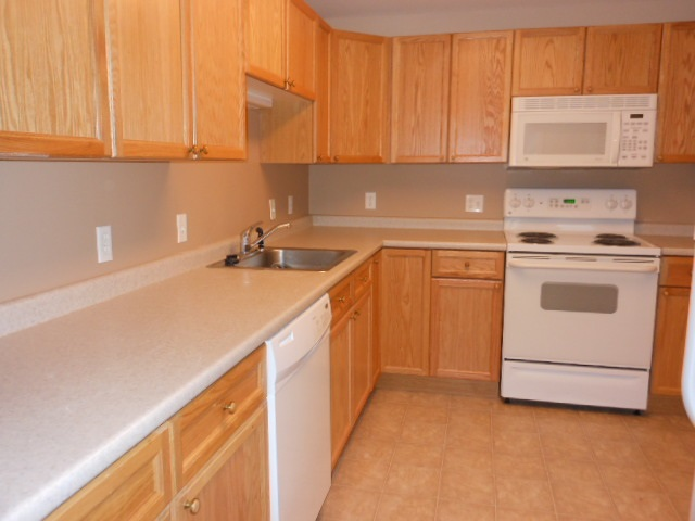 LONDONDERRY NH Condo for rent $Condo For Lease: $1,425 with Lease Term