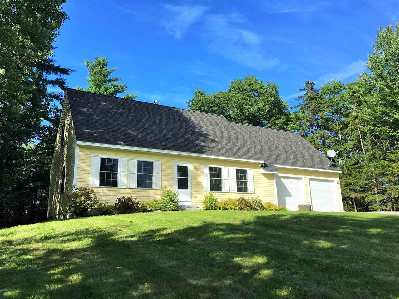 SUNAPEE NH Home for sale $$344,000 | $189 per sq.ft.