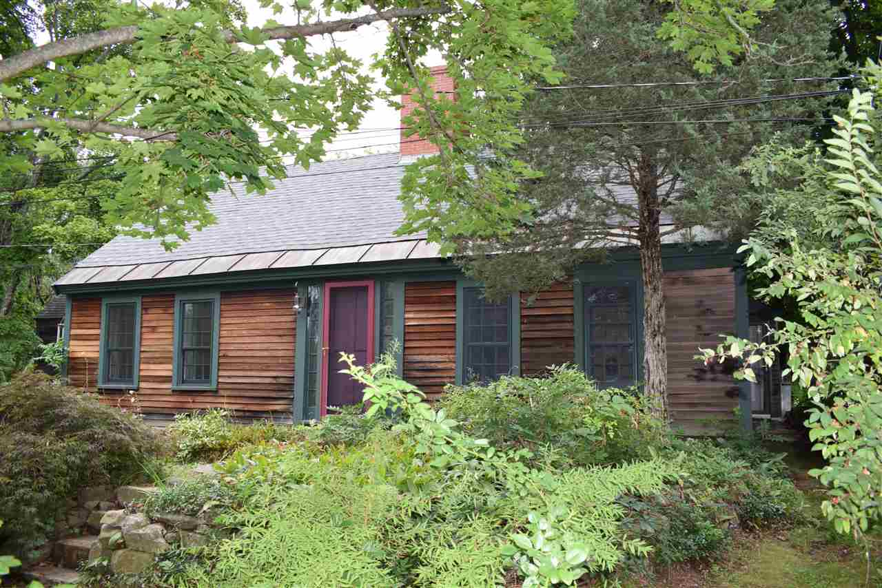 BRENTWOOD NH Home for sale $309,000