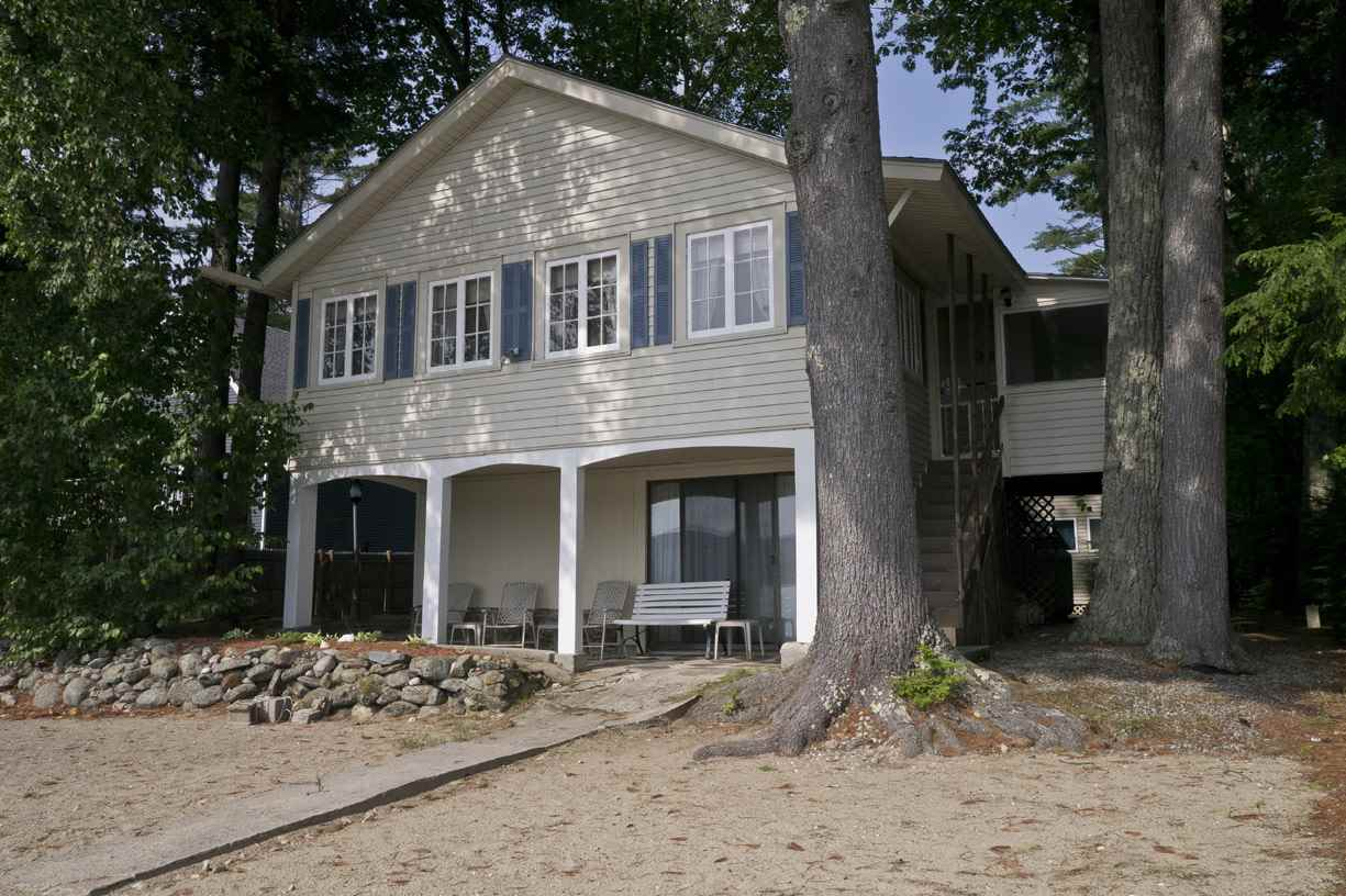 BRIDGEWATER NH Lake House for sale $$745,000 | $657 per sq.ft.