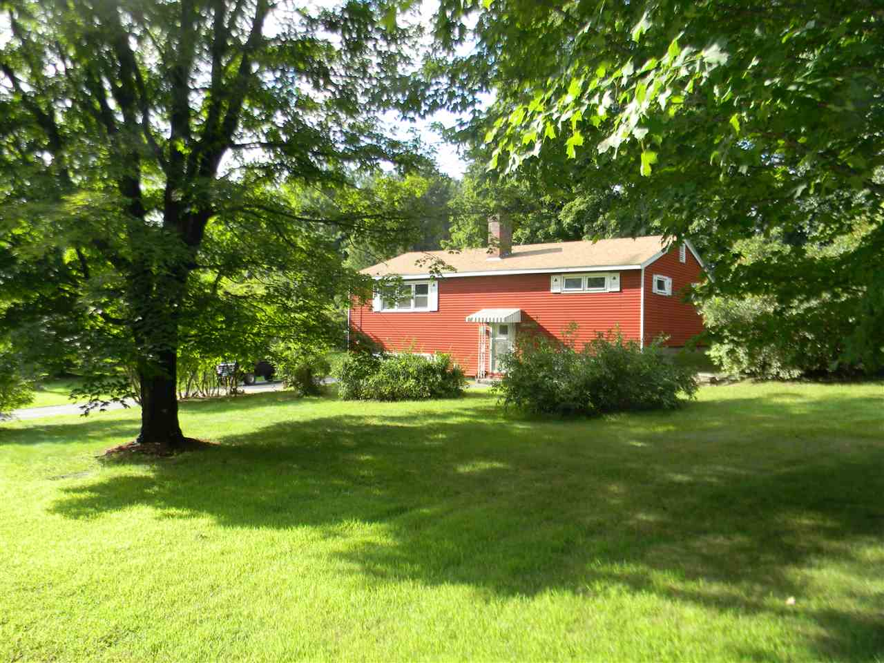 Londonderry NHHome for sale $List Price is $249,900
