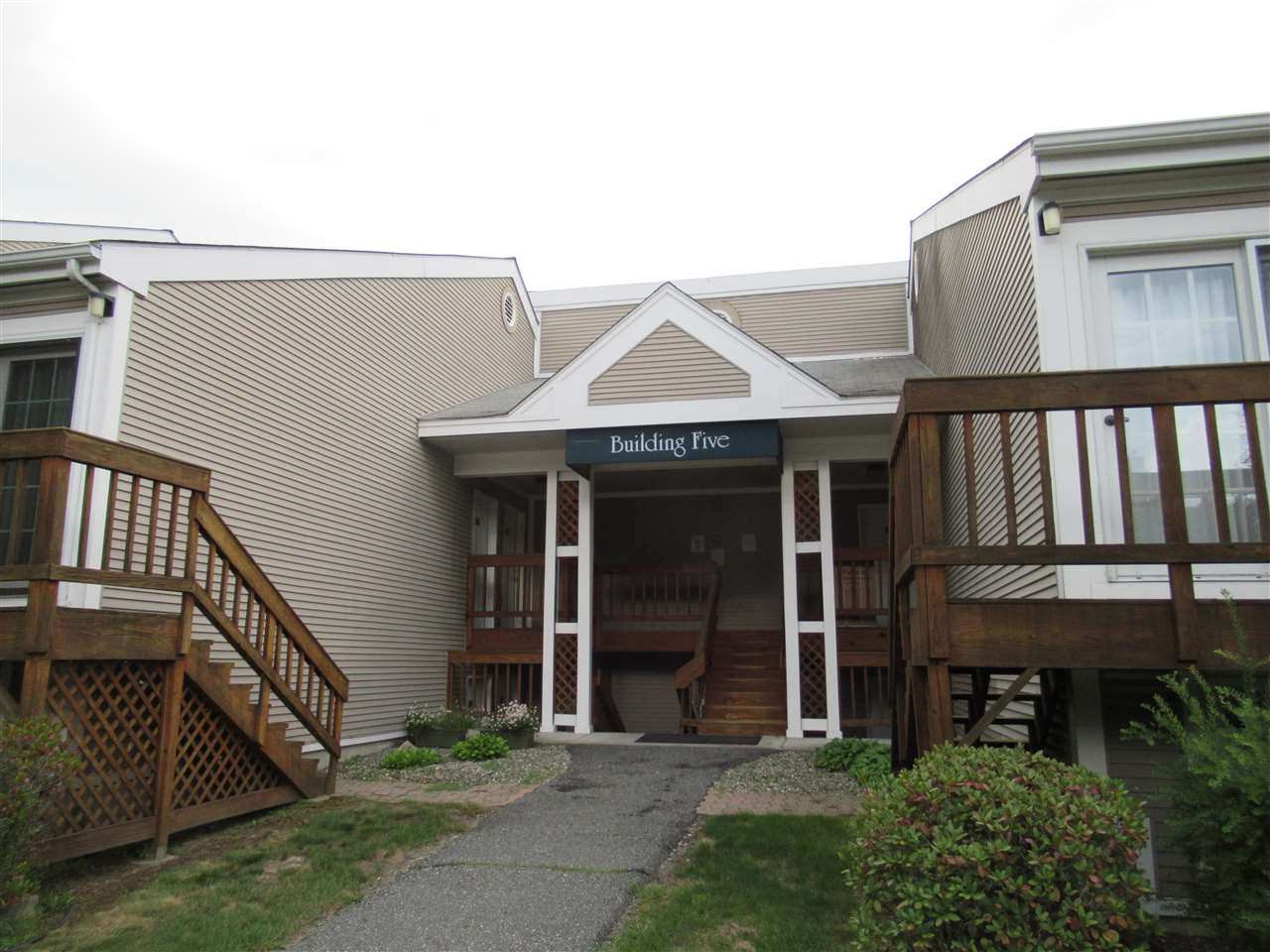 LEBANON NH Condo for sale $$99,000 | $152 per sq.ft.