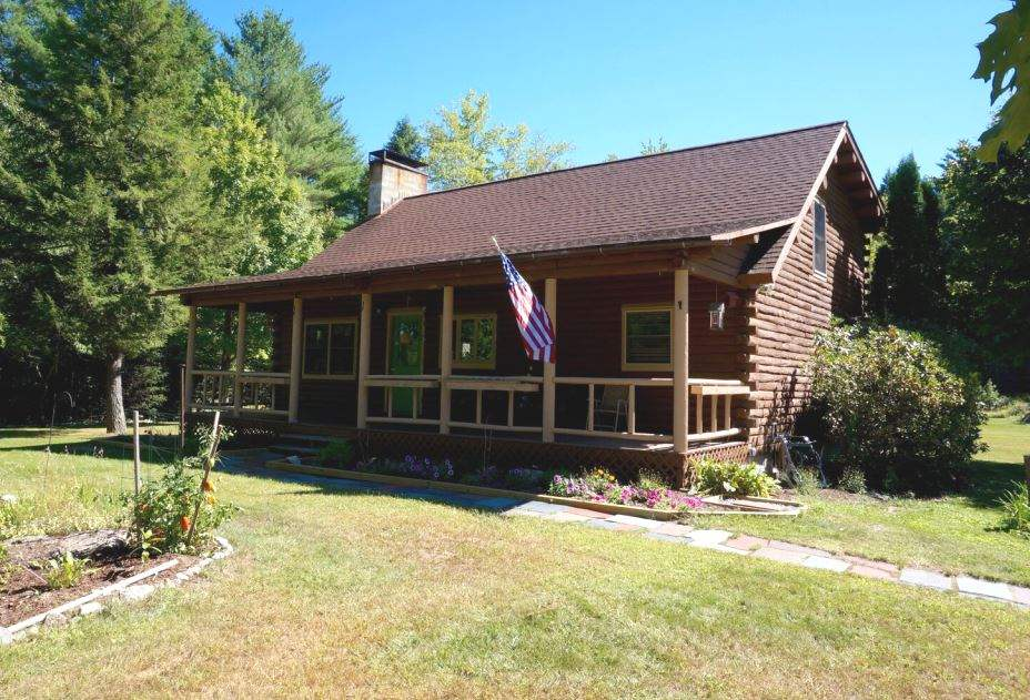 NEWBURY NH Lake House for sale $$269,900 | $189 per sq.ft.