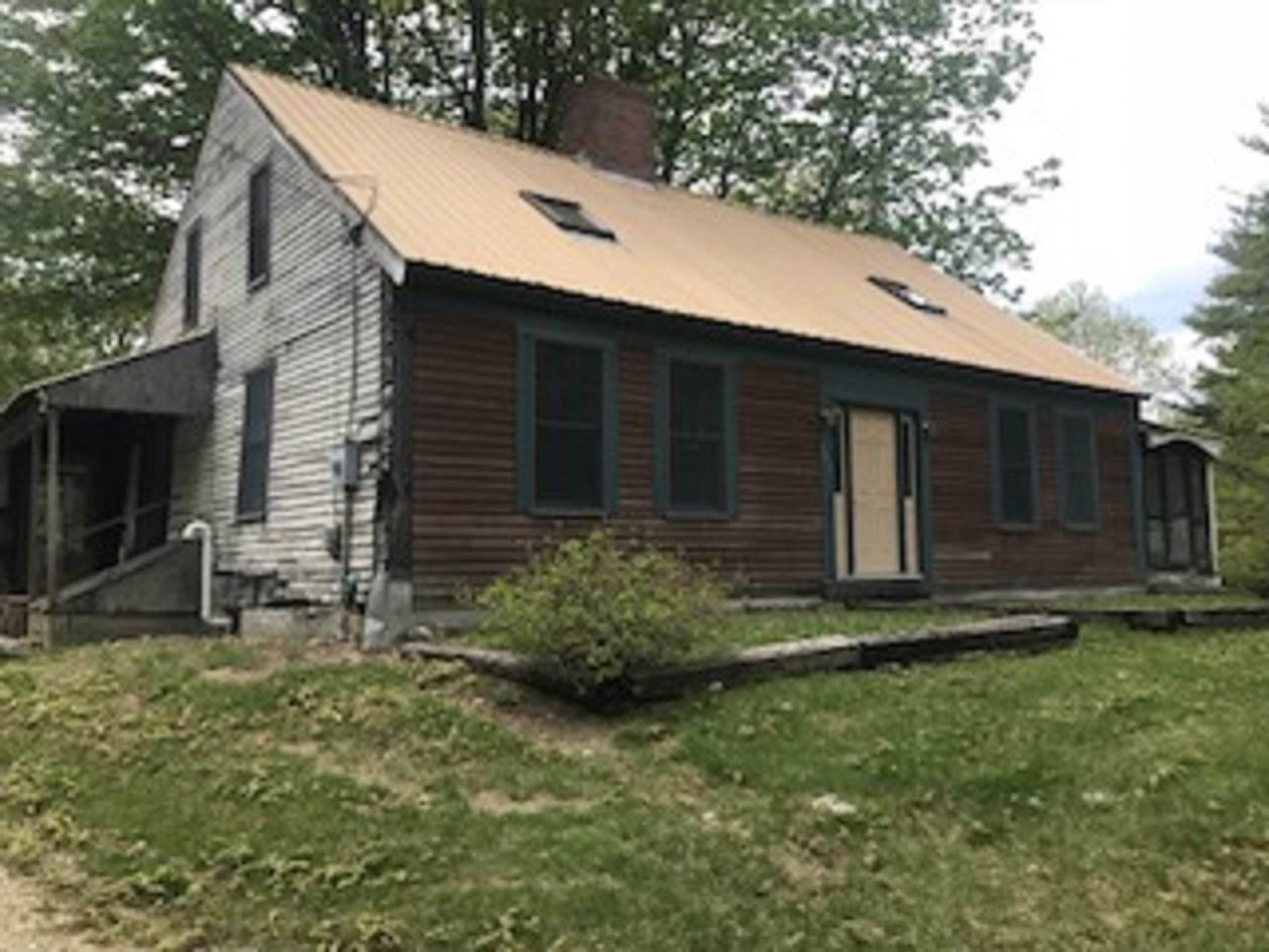 Brookfield NH Home for sale $$99,000 $34 per sq.ft.