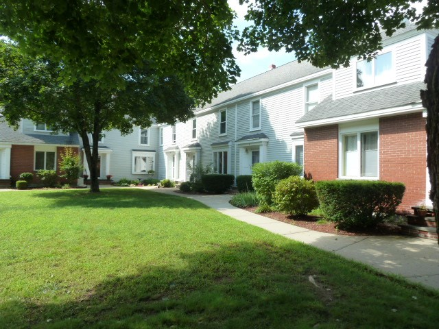 Pembroke NHCondo for sale $List Price is $224,900