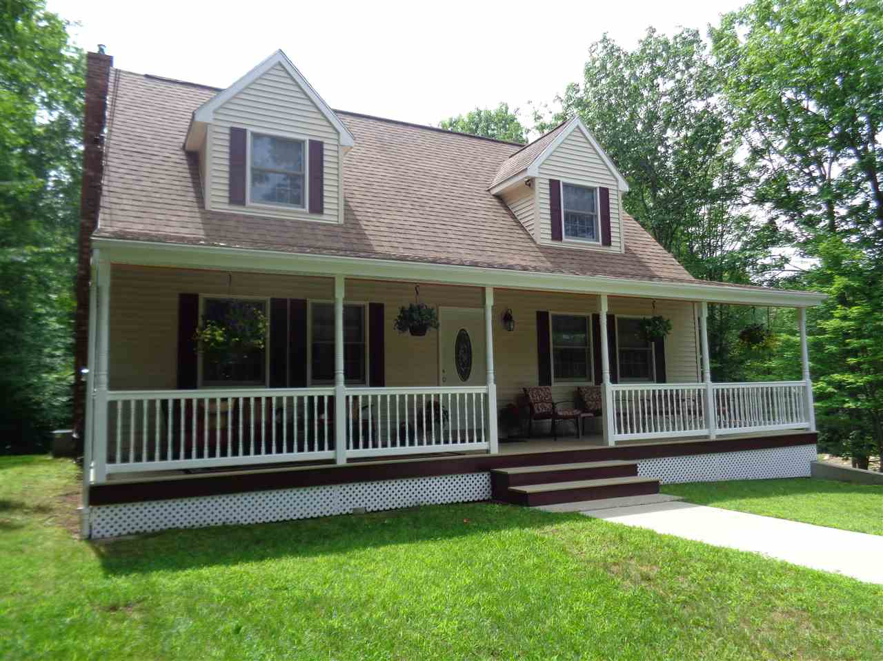 Bridgewater NH Home for sale $$269,500 $153 per sq.ft.
