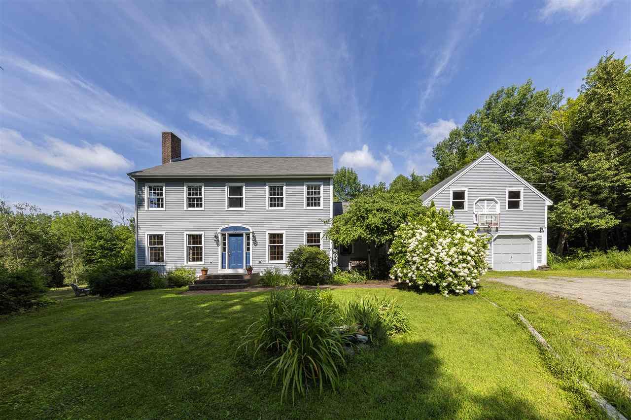 NEW LONDON NH Home for sale $$465,000 | $157 per sq.ft.