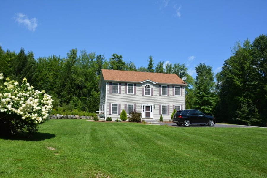 CENTER HARBOR NH Home for sale $369,900