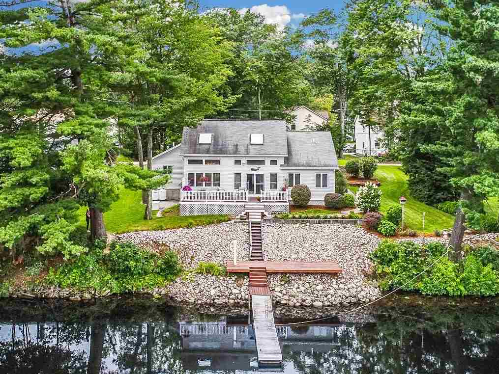 MANCHESTER NH Lake House for sale $$499,900 | $222 per sq.ft.
