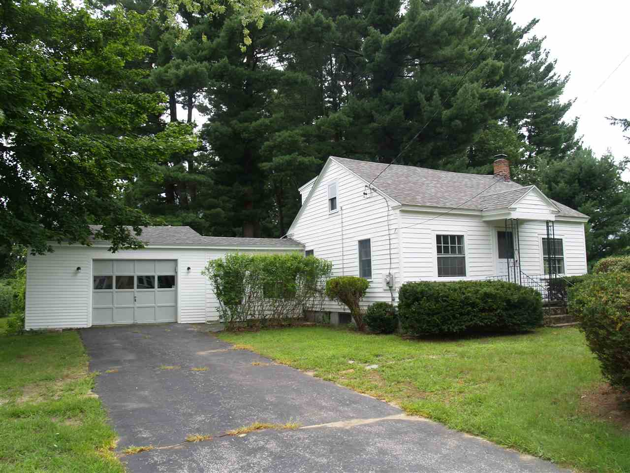 Bedford NH Home for sale $List Price is $229,000
