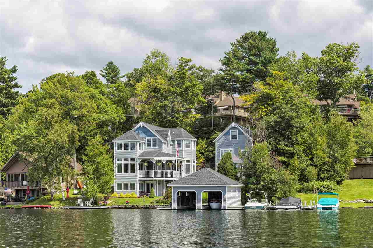 SUNAPEE NH Lake House for sale $$2,195,000 | $1,063 per sq.ft.