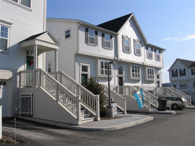 VILLAGE OF WILDER IN TOWN OF HARTFORD VTCondo for sale $$199,000   $120 per sq.ft.