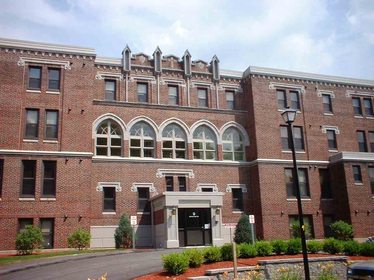 HUDSON NH Condo for rent $Condo For Lease: $1,125 with Lease Term