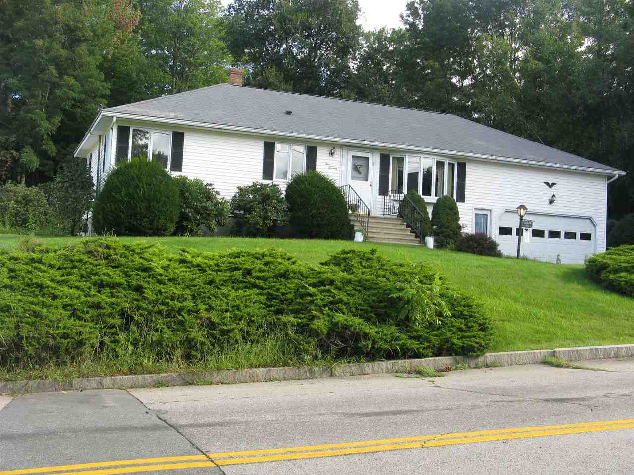MANCHESTER NH Home for sale $$275,000 | $246 per sq.ft.