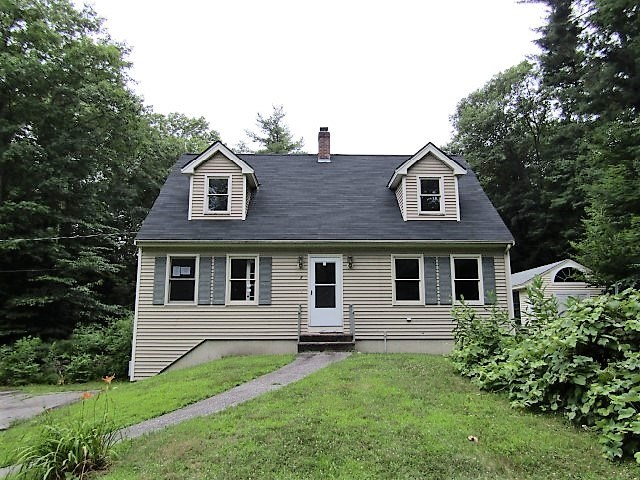 Sandown NH Home for sale $List Price is $270,000