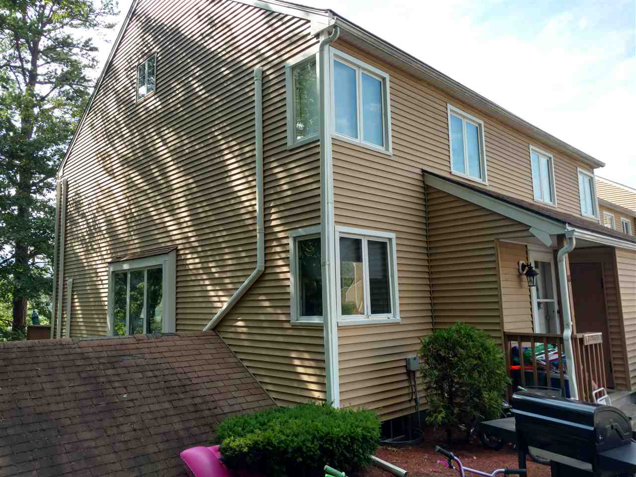 OSSIPEE NH Home for sale $257,000