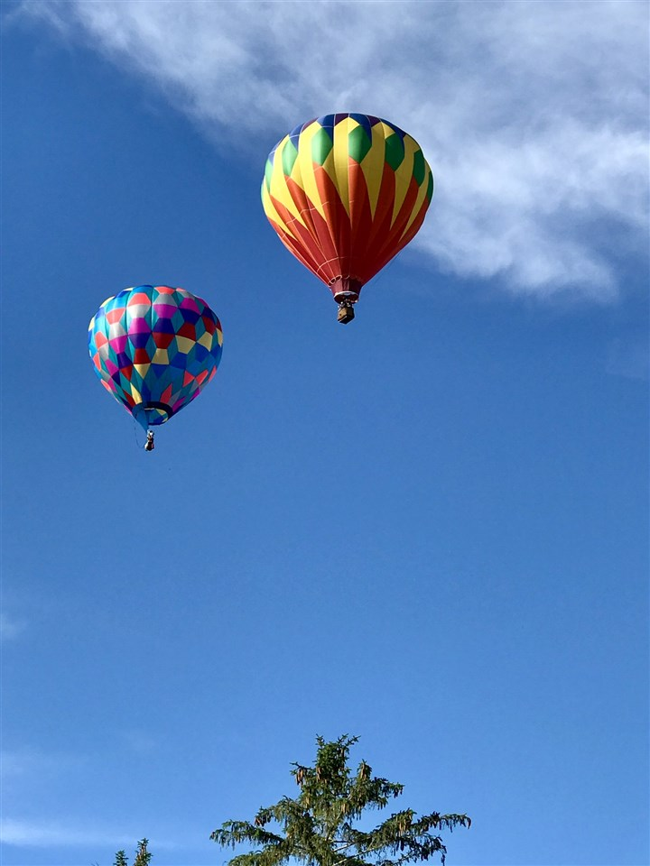 Quechee VT is right next door-Hot Air Balloons, Simon Pearce and more just minutes away!