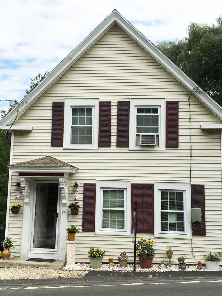 Chester NH Home for sale $List Price is $232,000