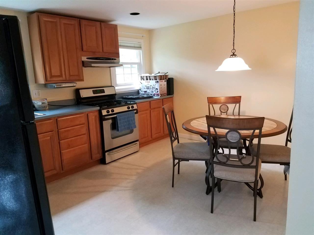 ALLENSTOWN NHTownhouse for rent $Townhouse For Lease: $1,400 with Lease Term