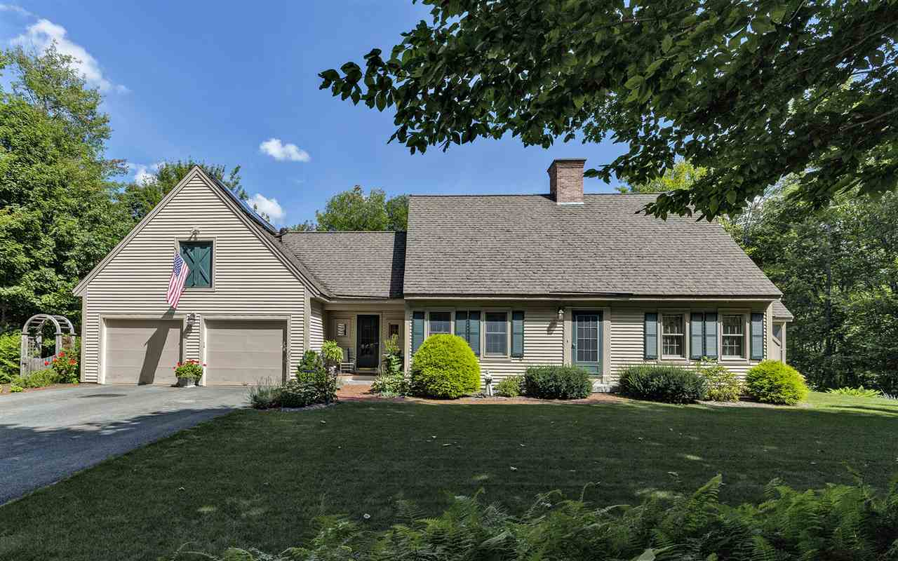 NEW LONDON NH Home for sale $$457,500 | $217 per sq.ft.