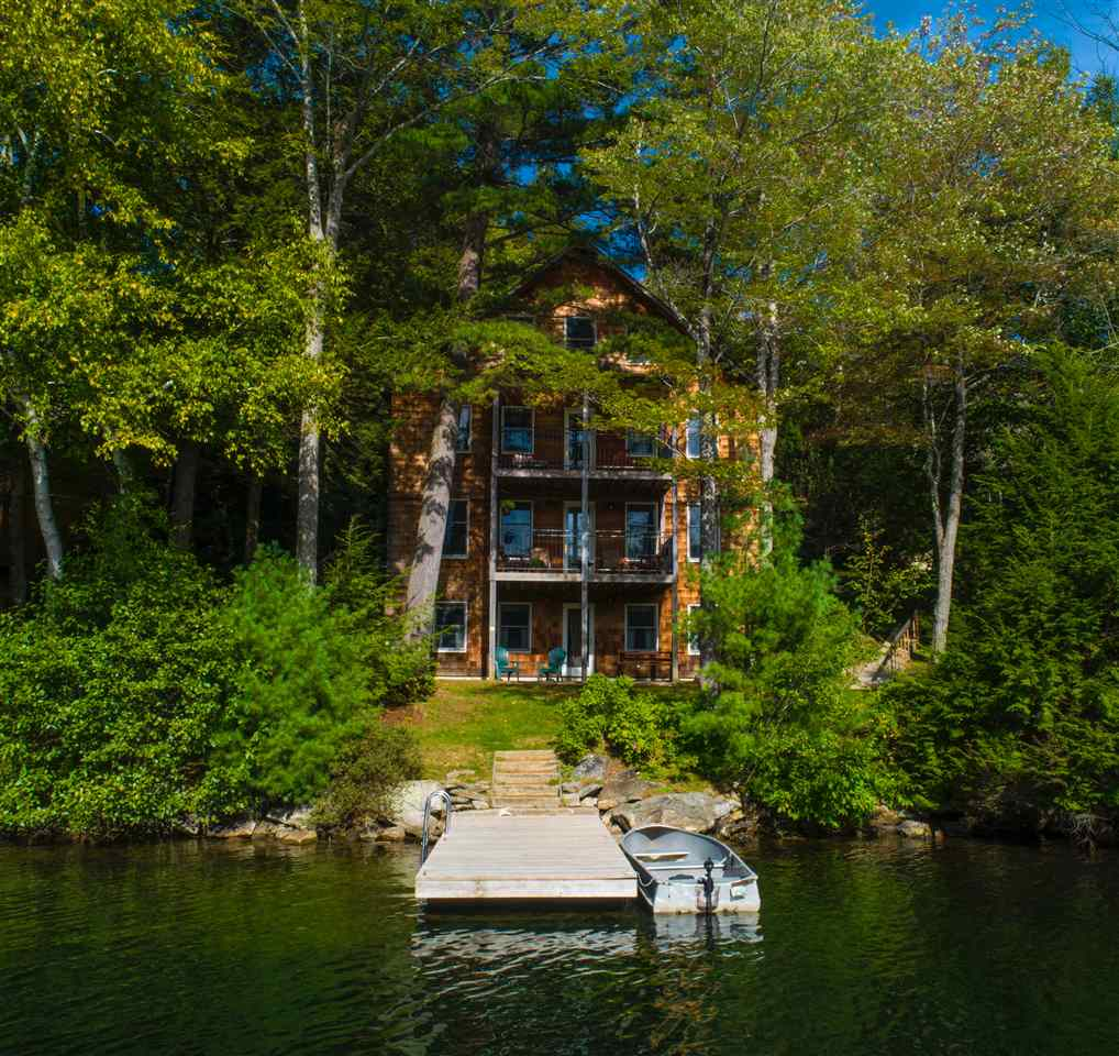 SUNAPEE NH Lake House for sale $$1,750,000 | $533 per sq.ft.