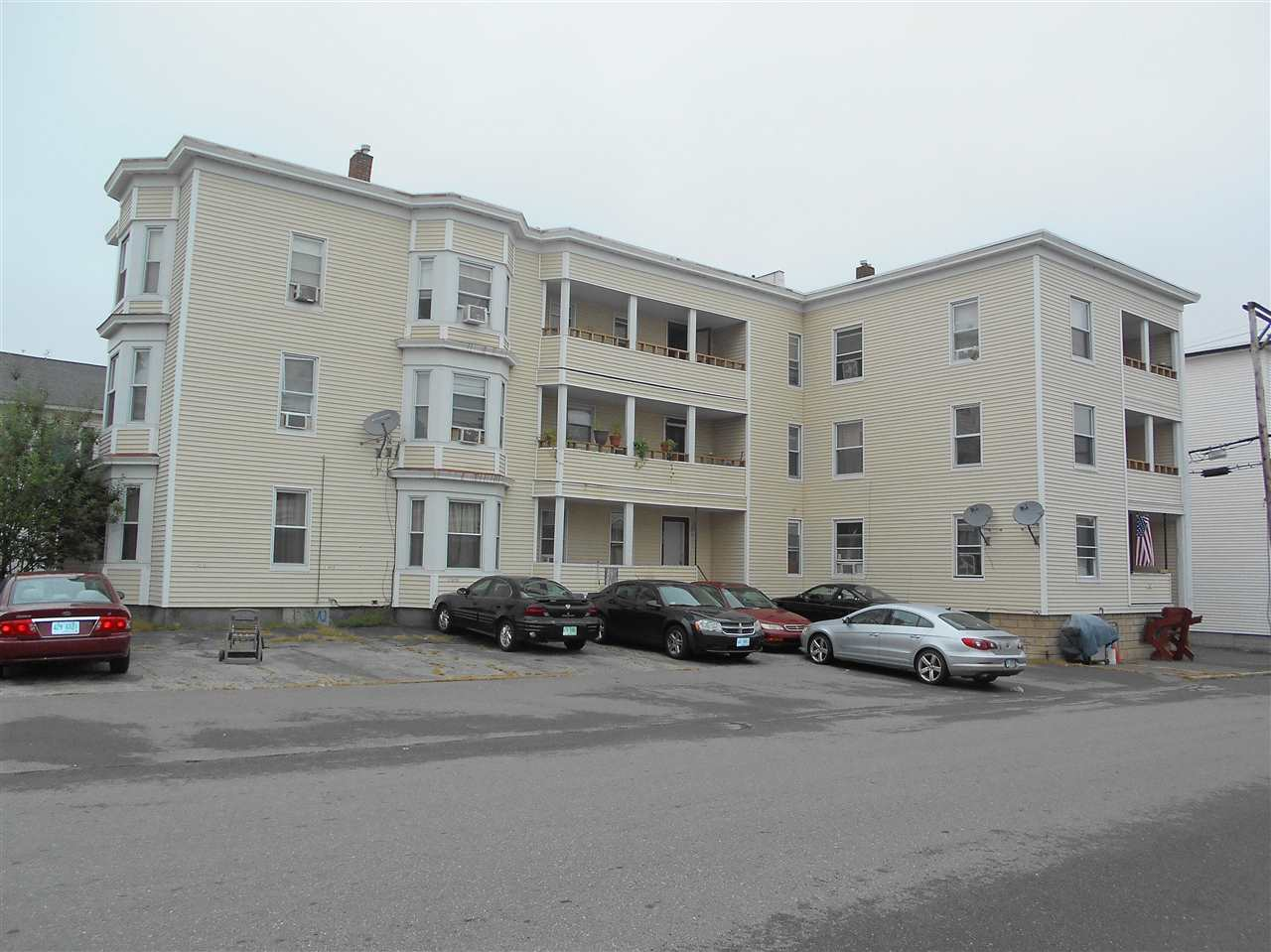 image of Manchester NH  6 Unit Multi Family | sq.ft. 11679