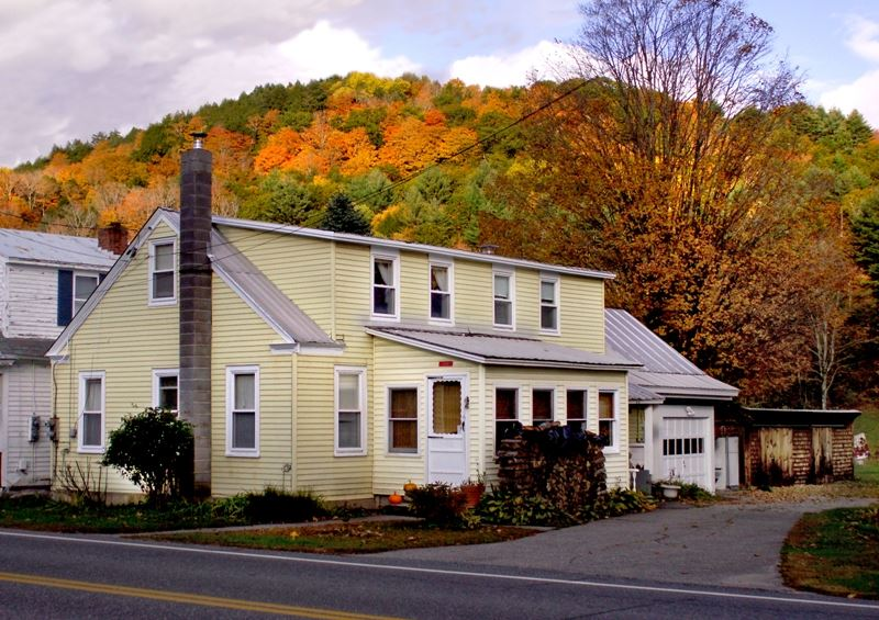 READING VT Home for sale $$79,900 | $59 per sq.ft.