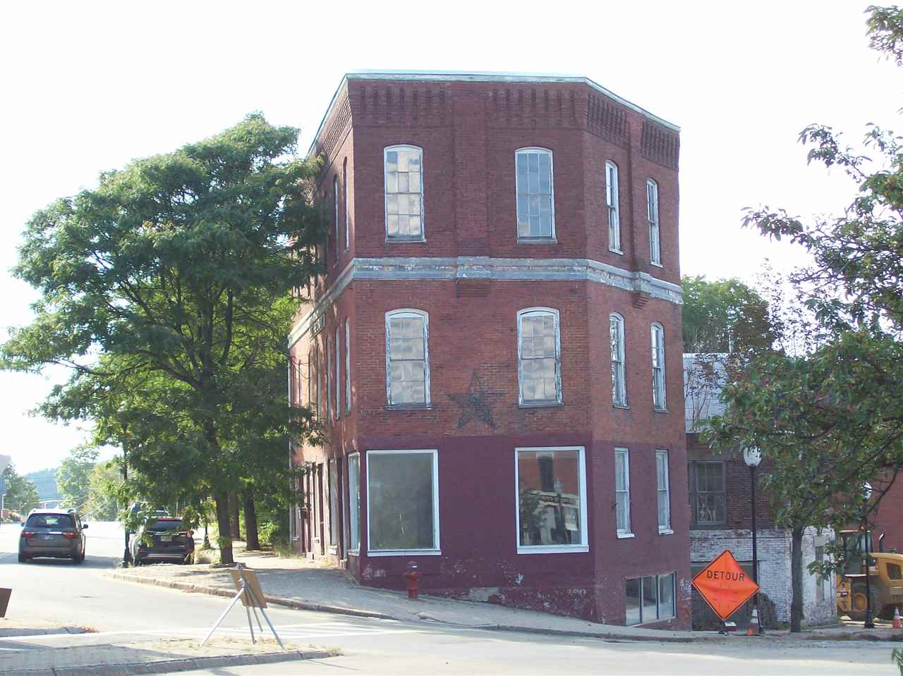 CLAREMONT NH Commercial Property for sale $$74,900 | $15 per sq.ft.