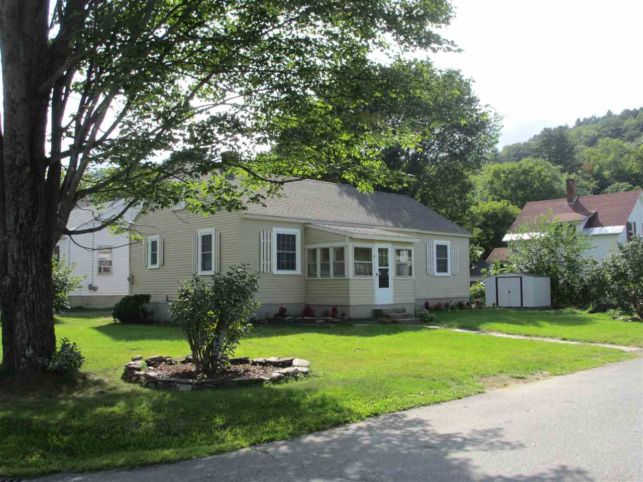 WINDSOR VT Home for sale $$129,900 | $137 per sq.ft.
