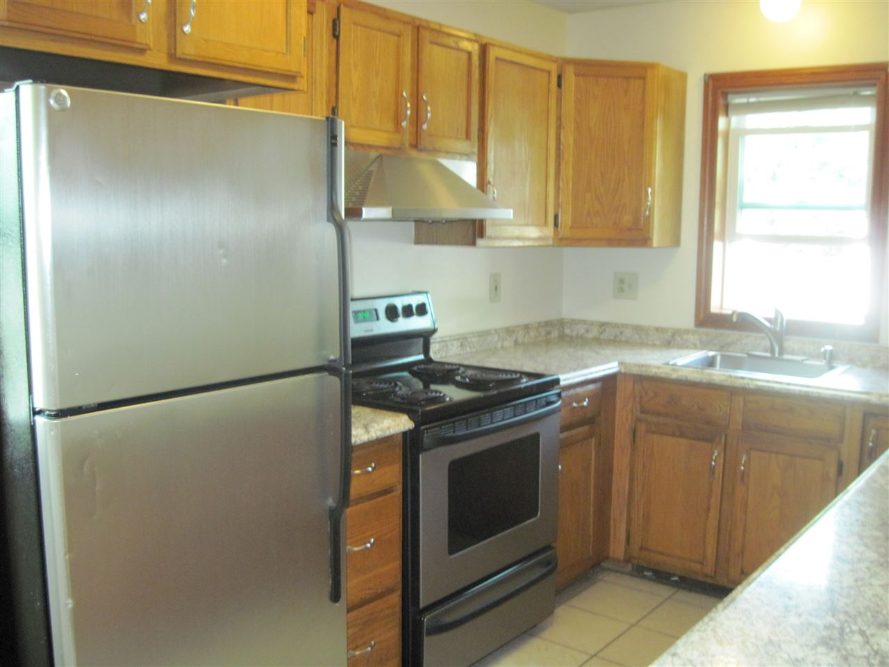 DERRY NHApartment for rent $Apartment For Lease: $1,800 with Lease Term